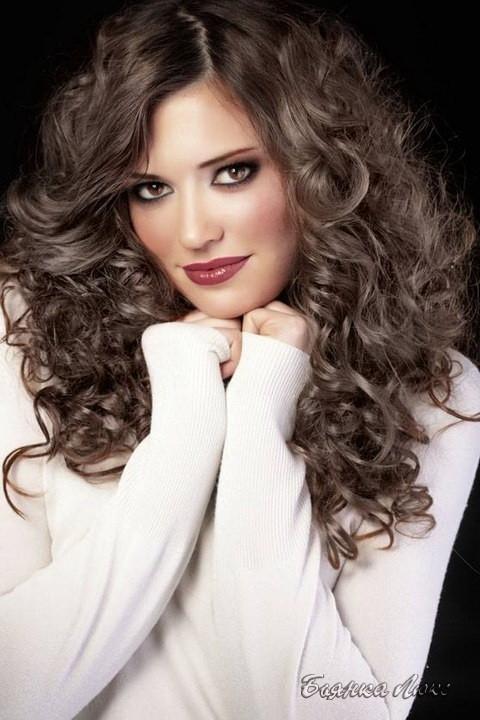 Кератиновая завивка волос для создания пышных спиральных локонов и кудрей среднего и крупного диаметра